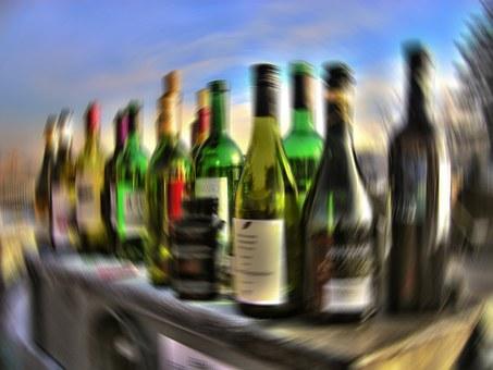 Dieses Bild hat ein leeres Alt-Attribut. Der Dateiname ist alcohol-64164__340.jpg
